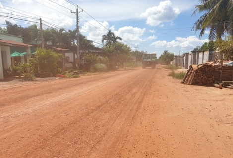 Doanh nghiệp cam kết sửa chữa đoạn đường hư hỏng do vận chuyển đất