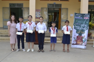 Công ty TNHH Đức Thành:Trao học bổng Tiếp sức đến trường