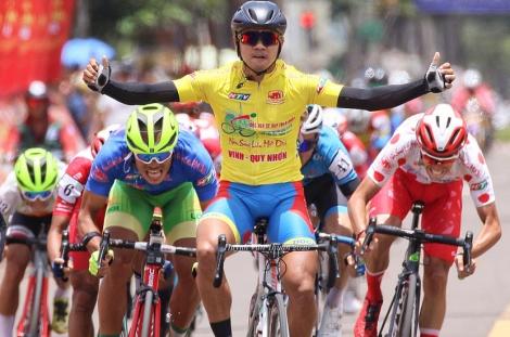 Nguyễn Tấn Hoài lần thứ tư thắng chặng Cup Truyền hình