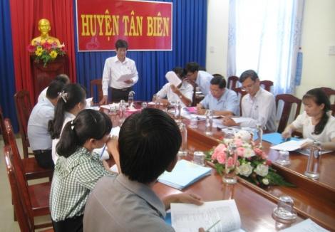 HĐND Tân Biên giám sát việc sắp xếp bộ máy và tinh giản biên chế trên địa bàn huyện