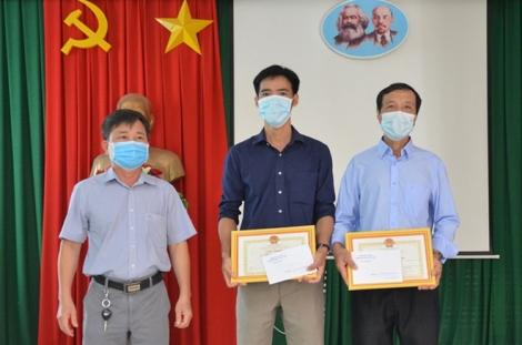 Tân Châu: Khen thưởng tập thể, cá nhân có thành tích xuất sắc trong phòng, chống dịch Covid -19