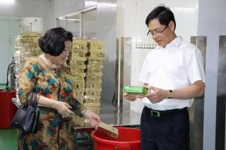 Lãnh đạo tỉnh: Thăm vùng trồng và cơ sở chế biến các sản phẩm Trà Hoàn Ngọc 7 Nga