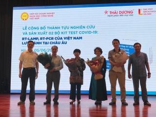 Hai bộ kit test COVID-19 'made in Việt Nam' được phép lưu hành tại châu Âu