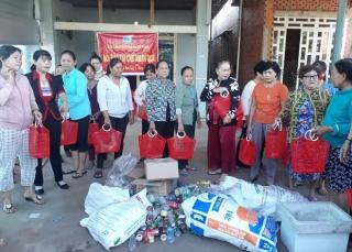 """Xã Phan: Tổ chức chương trình """"Đổi rác thải nhựa lấy quà"""""""