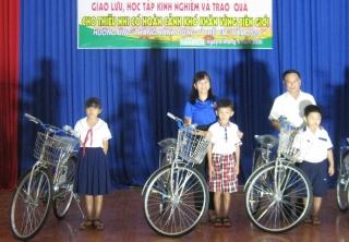 Tuổi trẻ Tân Biên giao lưu trao đổi kinh nghiệm với tuổi trẻ tỉnh Vĩnh Long