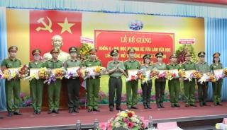 Bế giảng khóa IV Đại học An ninh hệ vừa làm vừa học tại Tây Ninh