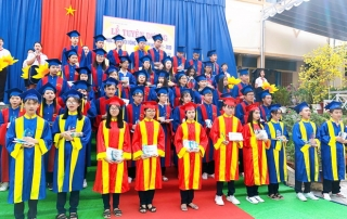 Tuyên dương học sinh đạt giải trong kỳ thi chọn học sinh giỏi vòng tỉnh