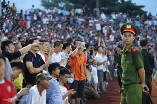 Hà Tĩnh không bị xử thua sau sự cố 'vỡ sân'