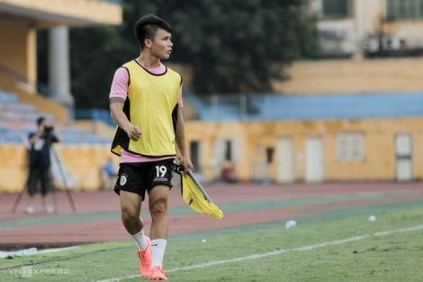 Nguyễn Quang Hải chấn thương