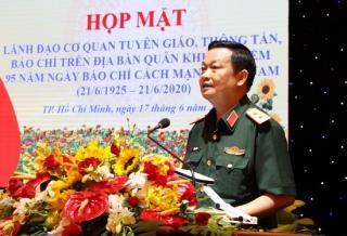 Báo Tây Ninh nhận Bằng khen của Quân khu 7
