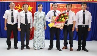 Tổ chức lễ trao tặng Huy hiệu 30 năm tuổi Đảng