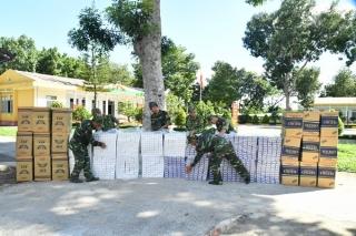 Biên phòng Tây Ninh bắt vụ vận chuyển 9000 gói thuốc lá ngoại nhập lậu