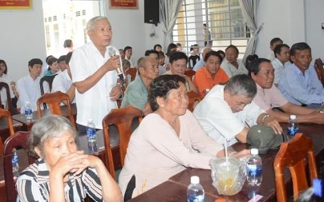Cử tri huyện Dương Minh Châu đề nghị thưởng nóng cho nhân viên ngành y tế