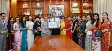Tiếp nhận vật tư y tế hỗ trợ kiều bào Việt Nam tại Hàn Quốc phòng, chống dịch Covid-19