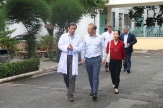 Đại sứ Anh cảm ơn các bác sĩ Việt Nam trong điều trị Covid-19