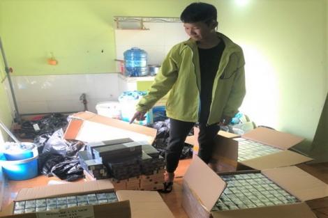 Bắt quả tang thanh niên tàng trữ gần 3.000 gói thuốc lá lậu
