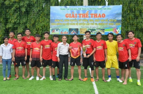 Tân Châu: Bế mạc giải bóng đá chào mừng Đại hội Đảng bộ huyện