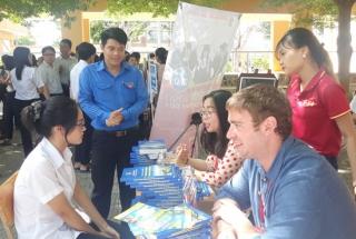 Tư vấn tuyển sinh, hướng nghiệp cho học sinh THPT