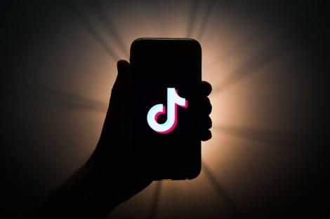 Ấn Độ cấm TikTok, sự giả dối của Facebook bị phơi bày