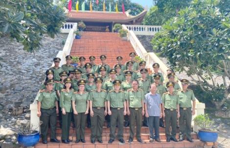 Công an Tây Ninh và Bình Phước về nguồn nhân ngày truyền thống lực lượng An ninh nhân dân