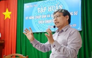Báo Tây Ninh tập huấn nghiệp vụ cho phóng viên và cộng tác viên