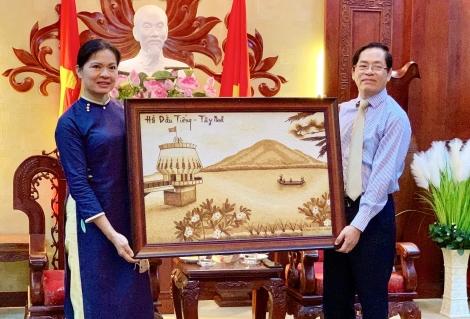 Hội LHPN Việt Nam thăm và làm việc tại tỉnh Tây Ninh