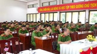 Công an Tây Ninh cập nhật các văn bản luật mới cho các đơn vị liên quan