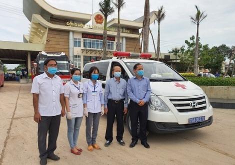 Tây Ninh: Đón gần 500 du học sinh Campuchia sang Việt Nam nhập học