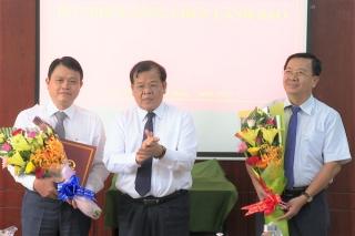 UBND tỉnh trao Quyết định điều động, bổ nhiệm lãnh đạo các sở