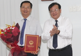 UBND tỉnh trao quyết định bổ nhiệm Giám đốc Sở Tài chính