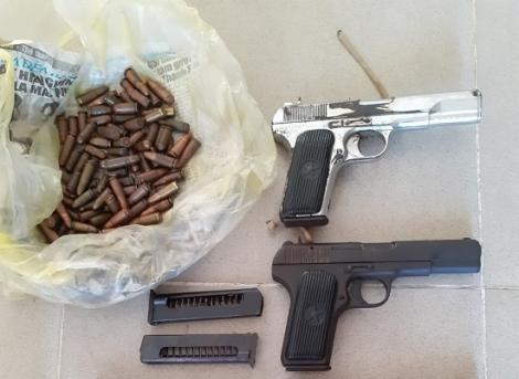 CATN: Tiếp nhận 6 khẩu súng ngắn và đạn do người dân giao nộp
