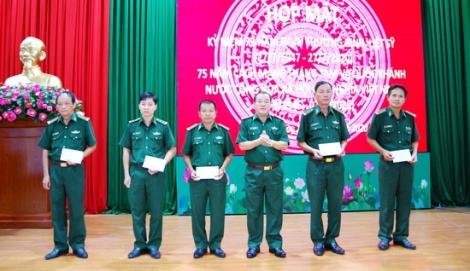 Biên phòng họp mặt kỷ niệm ngày Thương binh-Liệt sĩ và ký kết giao ước thi đua chào mừng các ngày lễ lớn trong năm