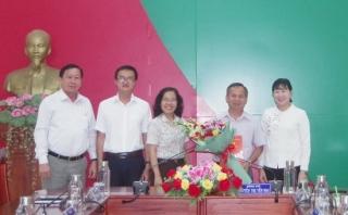 Trao quyết định nghỉ hưu Phó Bí thư Thường trực Huyện ủy Bến Cầu