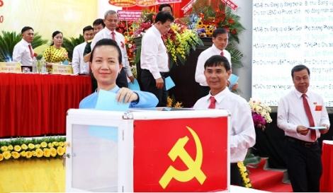 Bầu 40 uỷ viên Ban chấp hành Đảng bộ huyện Châu Thành khoá XII