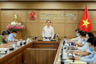 Bộ trưởng Bộ Giáo dục và Đào tạo Phùng Xuân Nhạ: Bình tĩnh để tổ chức kỳ thi