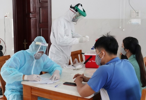 Lấy mẫu người dân đi từ Đà Nẵng, Quảng Ngãi về địa phương từ 16.7