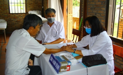 Chùa Thiền Lâm-Gò Kén: Ra mắt Phòng chẩn trị Y học cổ truyền từ thiện