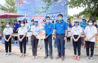 """Phó Bí thư Tỉnh đoàn thăm các đội tình nguyện chương trình """"Tiếp sức mùa thi"""" năm 2020"""