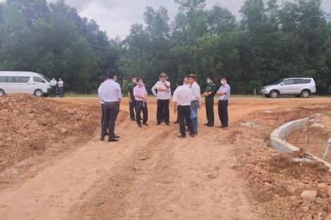 UBND tỉnh: Kiểm tra tiến độ xây dựng công trình tại cửa khẩu Tân Nam