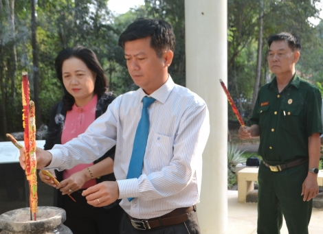 Phát huy vai trò lãnh đạo toàn diện của cấp uỷ cơ sở