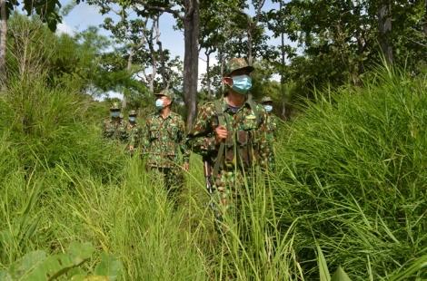 Bộ đội biên phòng căng mình cho nhiệm vụ kép trên toàn tuyến biên giới