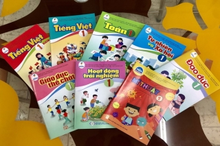 Bảo đảm đủ sách giáo khoa mới cho học sinh lớp 1