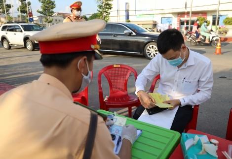 Tổng kiểm soát phương tiện giao thông trên địa bàn Gò Dầu, Trảng Bàng