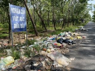 Thạnh Đức: Bãi rác tự phát gây ô nhiễm môi trường.