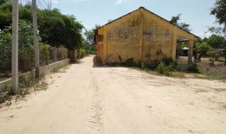 Mở đường, vướng trường học bỏ hoang