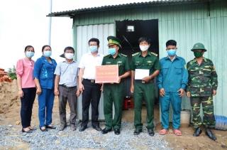 Trảng Bàng hỗ trợ 75 triệu đồng thực hiện công trình nước sạch cho các chốt dã chiến