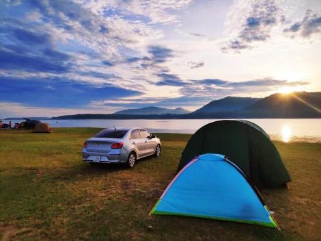 Cắm trại ở hồ Dầu Tiếng