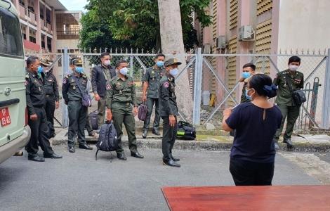 Tiếp nhận cách ly tập trung 305 sinh viên Campuchia