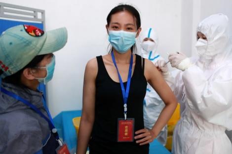 Trung Quốc tiêm thử vaccine Covid-19 cho 'hàng trăm nghìn người'