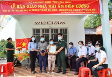 Tặng Mái ấm Biên cương cho dân nghèo biên giới Phước Chỉ